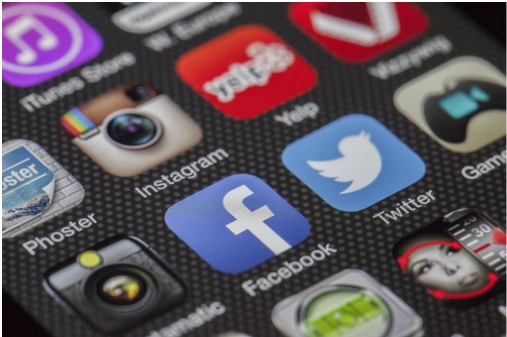 Producao de conteudo para redes sociais header: é uma imagem que mostra os ícones das redes sociais twitter, instagram, facebook, pintrest.