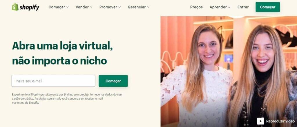 landing page exemplos: imagem de umas mulheres loiras ao lado esquerdo e do lado direito um formulário para preenchimento de e-mail